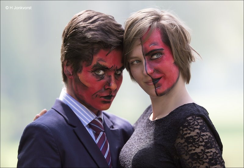 Red faces, rood gezicht, rode gezichten, twee gezichten, rode schmink, rode duivel, rode duivels, Elfia, Elfia 2018, Fotografie, Foto