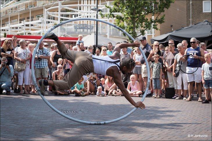 Cyr Wheel, Uili So, CaFe SoLo, Modern Circus, Hoelahoep, Stunt, Stunten met een Cyr Wheel, C'est la Vie Emmen, C'est la Vie Emmen 2018, C'est la Vie Straattheater