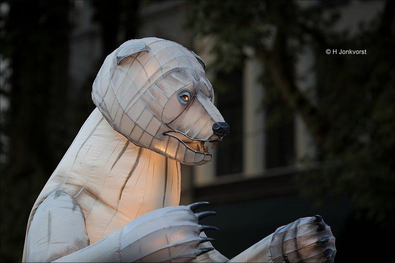 Deventer Op Stelten, Deventer Op Stelten 2018, Deventer op Stelten De Brink, Foto, Fotografie, Straattheater, Straattheater Festival, Remue Ménage, Remue Ménage Gueule d'Ours, dansende beren