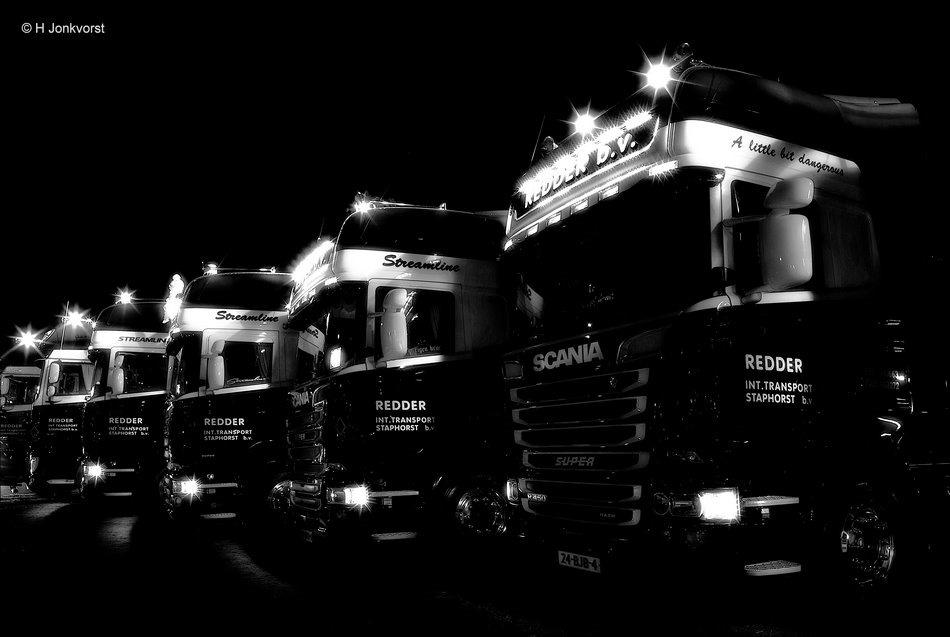 Nacht van de Truckers, Staphorst, Truckersdag Staphorst, Truckersdag Staphorst 2018, Truckersdag, Netjes op een rij, op een rij, Trucks, Fotografie, Foto, Redder Transport