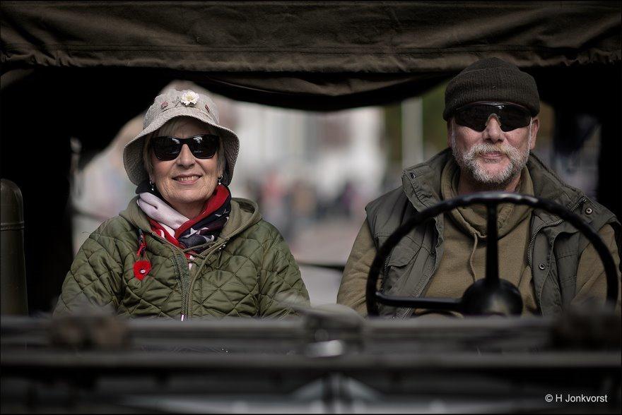 Helmplicht, legerhelm dragen, er kan geschoten worden, Legerjeep, Legerstijl, Jeep, Bokbierdag Zutphen 2018, Bokbierdag Zutphen, Fotografie, Foto