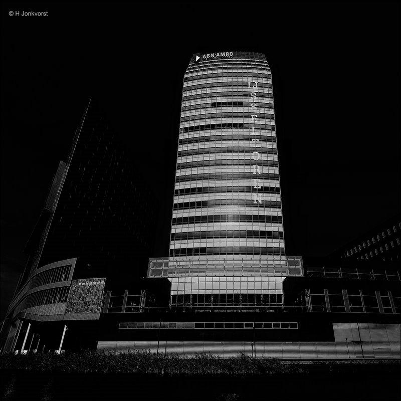 IJsseltoren van Zwolle, IJsseltoren, Zwolle, hoogste gebouw van Zwolle, architect René Steevensz, Wolkenkrabber, Wolkenkrabber Nederland, Architektuur, perspectiefvertekening, Groothoek