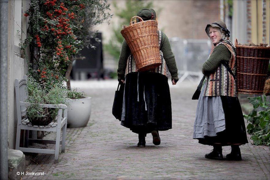 Dennenappels te koop, Dennenappels kopen, Dickens Deventer 2018, Dickens Deventer, Dickens Festijn 2018, Dickens festijn Deventer 2018, canon eos R, Fotografie, Foto