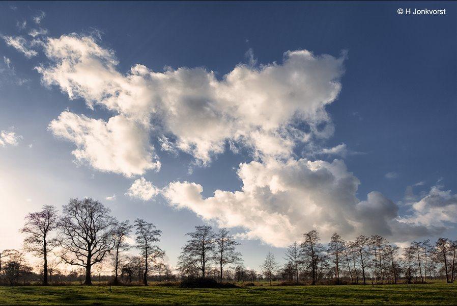 Hollandse luchten, wolkenflarden, Staphorst, Staphorsterveld, Baldersmaatweg, Landschap, Landschap Staphorst, Fujifilm XT2, Fujinon XF 16-55mm F2.8 R Lm Wr, Fotografie, Foto