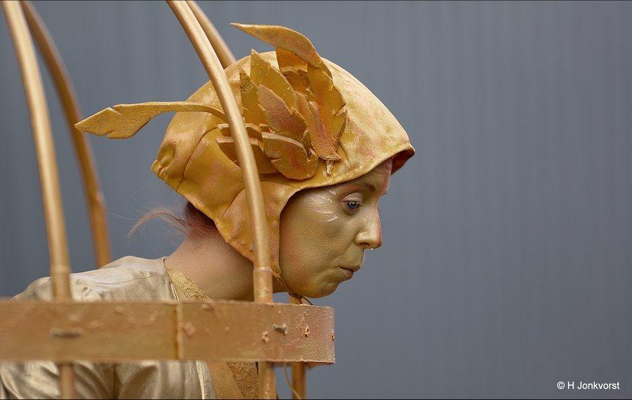 Loopneus, drup aan je neus, verkouden, druppelende neus, gekooid, Levende beelden, Levende Beelden Arnhem, Living Statues Arnhem, Fotografie, Foto, Photography, Photo
