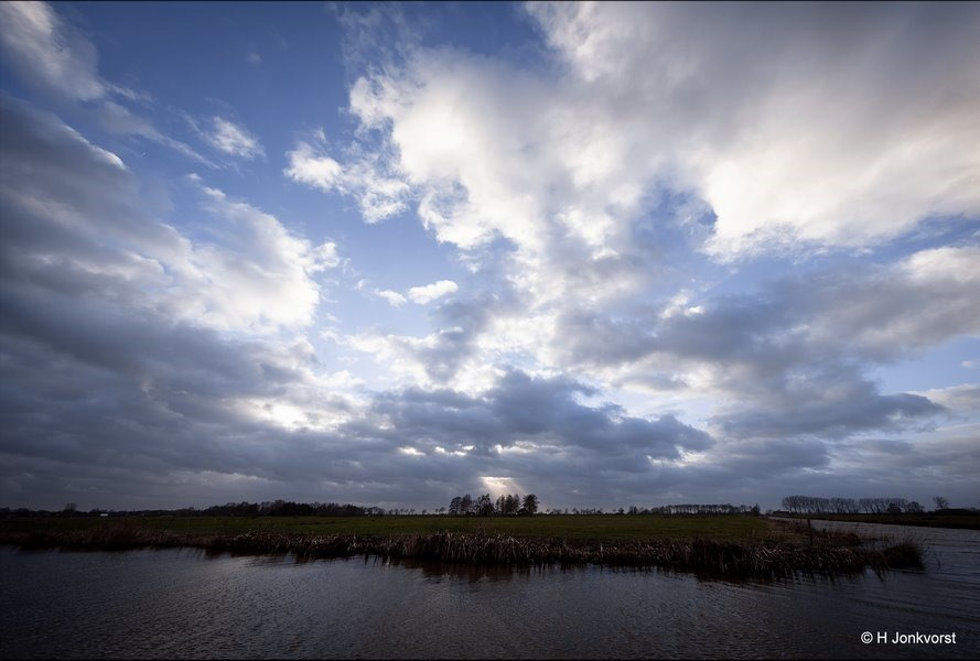Storm, open vlakte, De olde Maten, natuurgebied De Olde Maten, hemelsblauw, Fujifilm XT2, Fujifilm XF 8-16mm f2.8 R LM WR, Fotografie, Foto