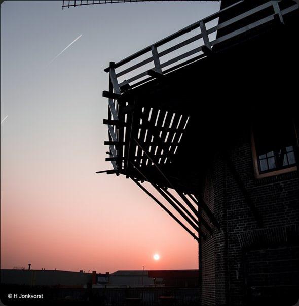 Hekwerk, Molen de Zwaluw, Molen de Zwaluw Hasselt, Hasselt, Zonsondergang, Silhouet, Silhouet Molen, Canon eos R, Canon EF 28-300mm f3.5-5.6 L IS USM, Fotografie, Foto, Photography, Photo