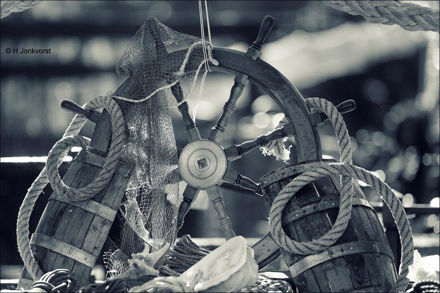 nautical stuff, stuurwiel, scheepsroer, houten scheepsroer, scheepvaart spullen, scheepvaart producten, Fotografie, Foto, Photography, Photo