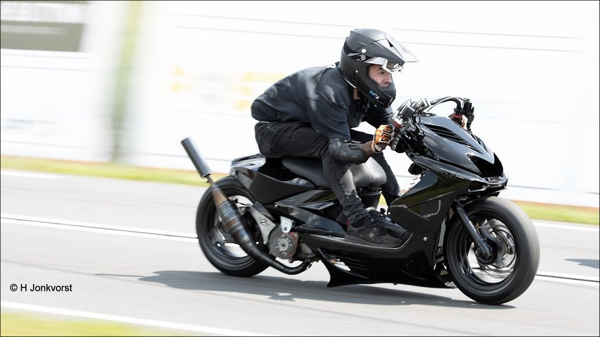 Acceleratie, Sprint, snelheid, Brommersprint, Brommersprint 2019, Brommersprint Genemuiden, Brommersprint Genemuiden 2019, Foto, Fotografie, Motorsport, Motorsport Fotograferen, opgevoerde bromfiets, Sport