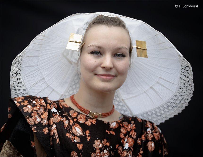 Dag van de klederdracht, Nationale dag van de klederdracht, Nationale dag van de klederdracht 2019, Nationale dag van de klederdracht Urk, Zeeuws meisje, klederdracht authentiek, authentieke klederdracht, portret
