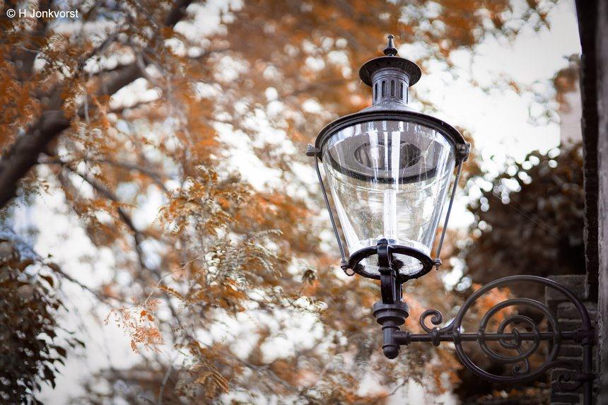 straatlicht van toen, straatlantaarn, straatverlichting vroeger, straatlantaarn vroeger, oude straatverlichting, oude straatlantaarn, ouderwestse straatverlichting, straatlamp, straatlamp vroeger, oude straatlamp