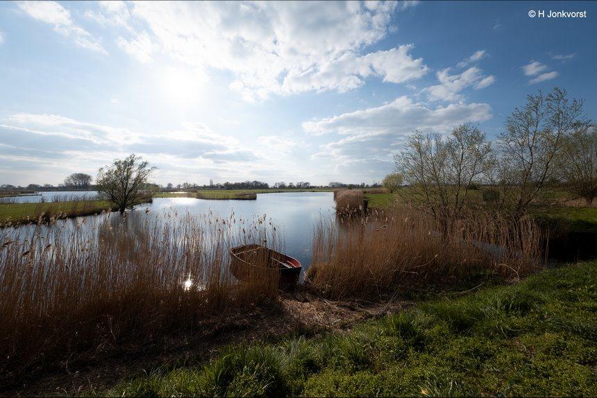 Nederland waterland, Nederlandse natuur, Hollands landschap, natuurgebied de Brommerd, natuurreservaat de Brommerd, verstilde natuur, groothoek landschap, verstild landschap, landschap tegenlicht, Fujifilm XT2