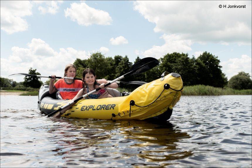 de grote oversteek, K2 Explorer, opblaasbare kano, tweepersoons kano, varen in een kano, fun op het water, Wendy, Yaleesa, kanovaren, Kanoën, Fujifilm XT2, Fujifilm XF 16-55mm F2.8 R Lm Wr, Fotografie, Foto, Photography