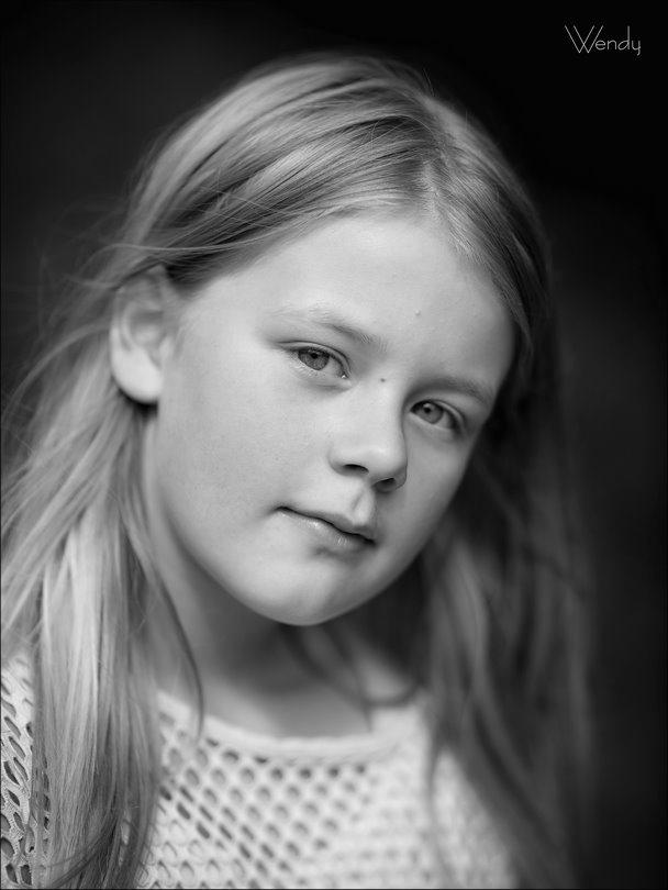 Wendy, Fotografie, Foto, Photo, Photography, Canon EF 85mm f1.2L II USM, Kinderfotografie, Fotograferen met kinderen, Canon eos R, shootje in het bos, fotograferen bij bestaand licht, optimaal beeldformaat, portret