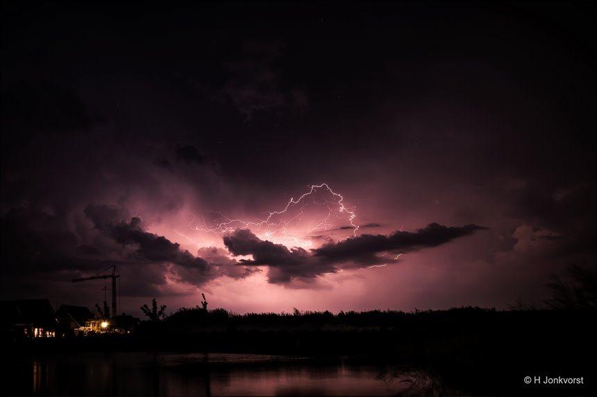 bliksems nog an toe, bliksem, onweer, Staphorst, onweer fotograferen, bliksem fotograferen, nachtfotografie, fotograferen met bulb stand, Fujifilm XT2, Fujifilm XF 8-16mm f2.8 R LM WR, Fotografie, Foto, Photography