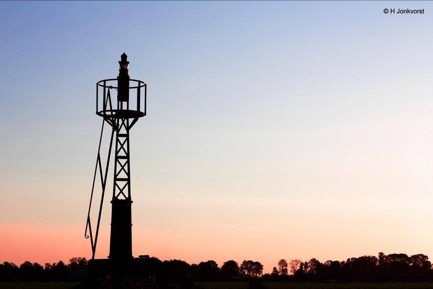 Oud Kraggenburg, strekdam, vluchthaven, Lichtbaken, vuurtoren, lighthouse, Noordoostpolder, Zuiderzee, silhouet, silhouette, Canon eos R, Canon EF 85mm f1.2L II USM, Fotografie, Foto, Photography, Photo